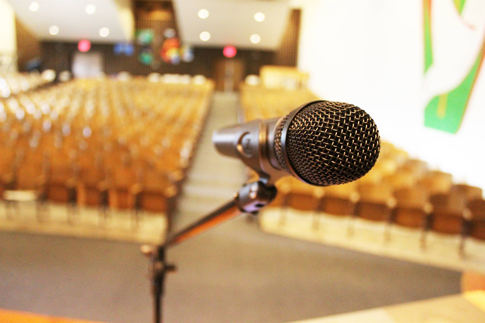 Microphone-in-Auditorium