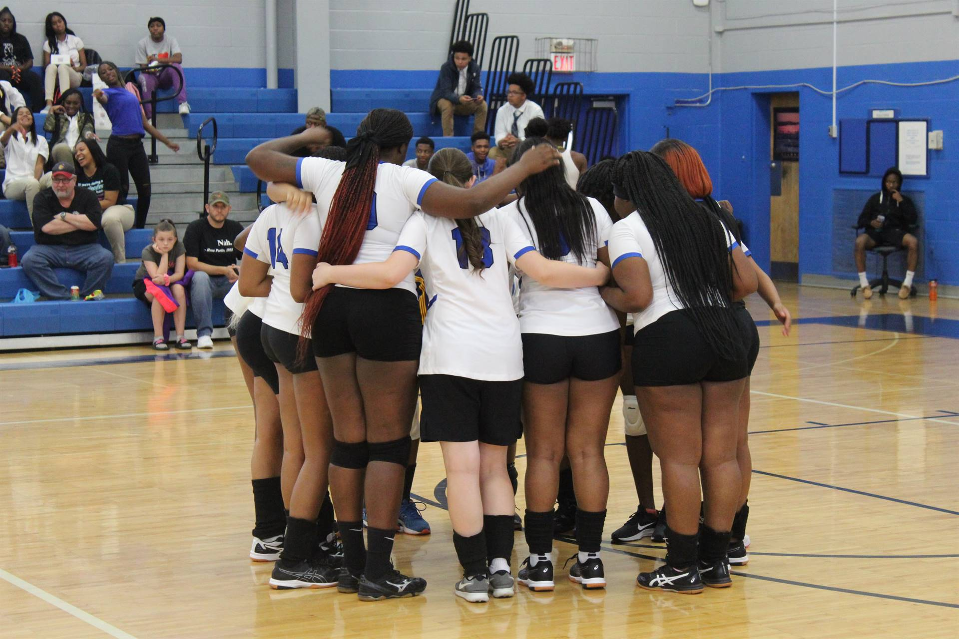 Volleyball_Huddle